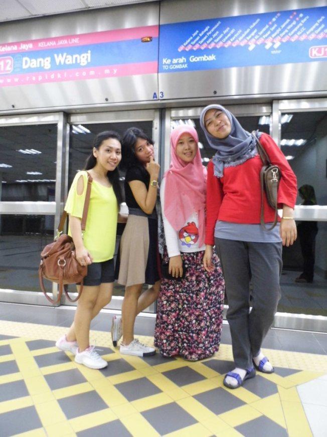 Dan Wangi LRT Station